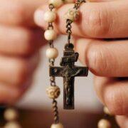 Santo rosario per chiedere la fine della pandemia